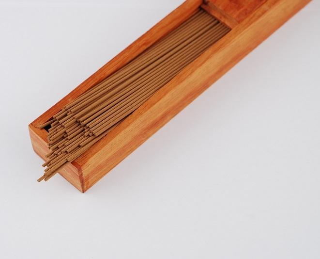 Hộp gỗ đựng nhang ống loại nhỏ