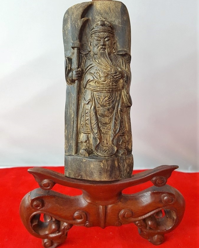 Miếng Indo khắc tượng C18