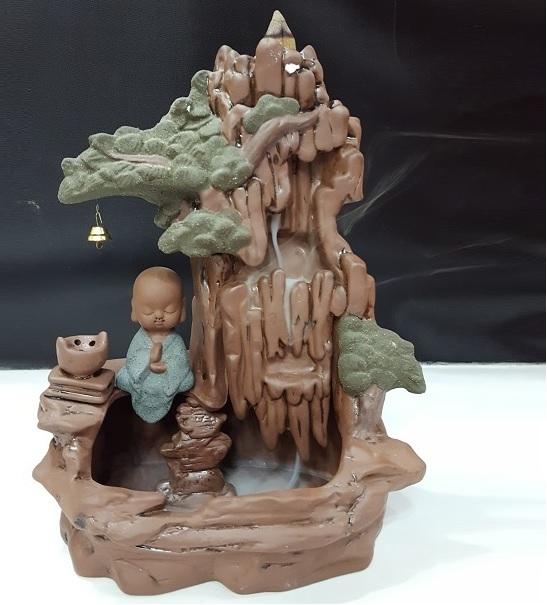 Xông trầm chú tiểu cây thông C80-850