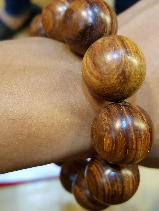 Vòng tay gỗ sưa C10