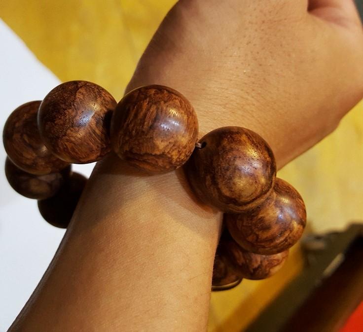 Vòng tay gỗ sưa 15