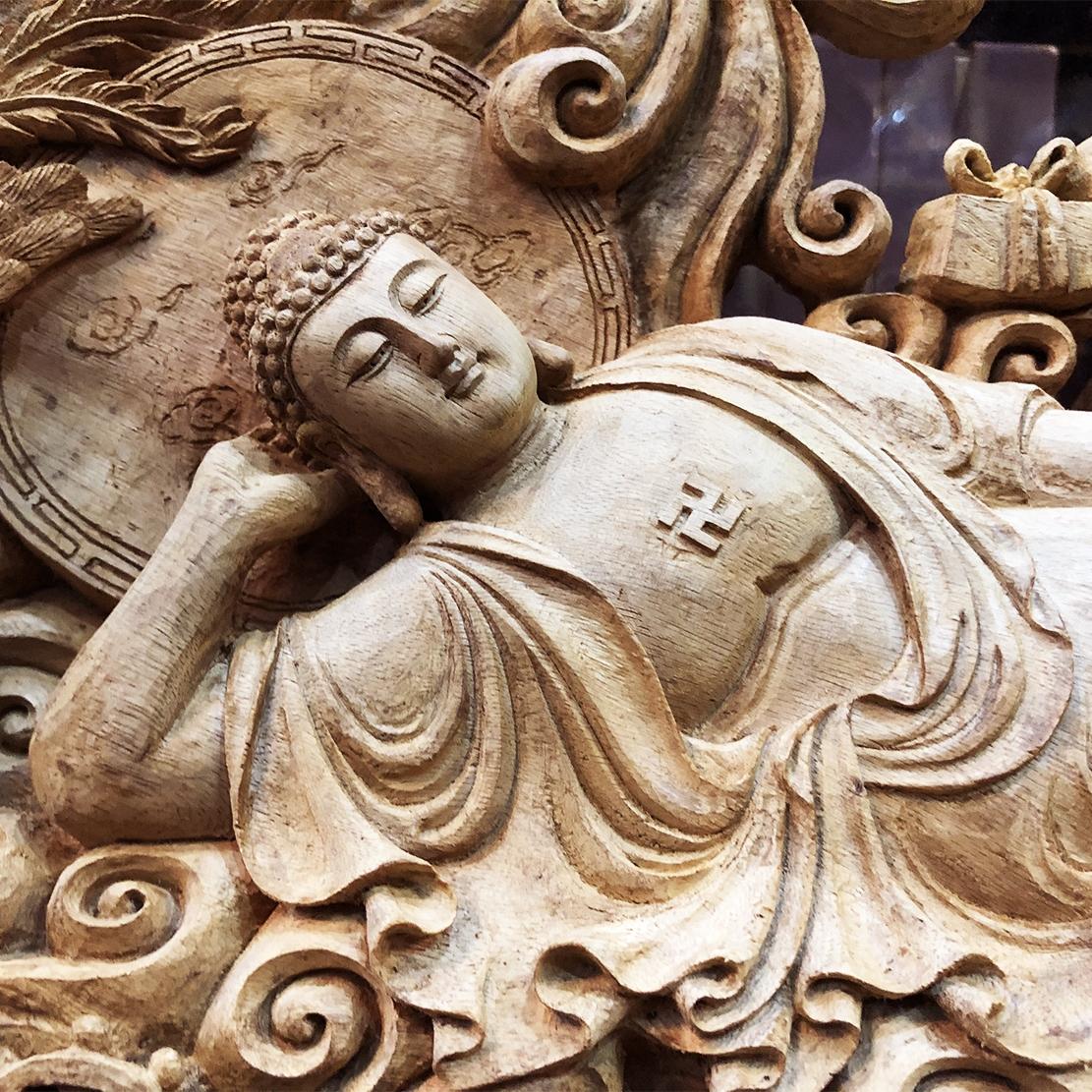 Pho Phật bà quan âm nằm